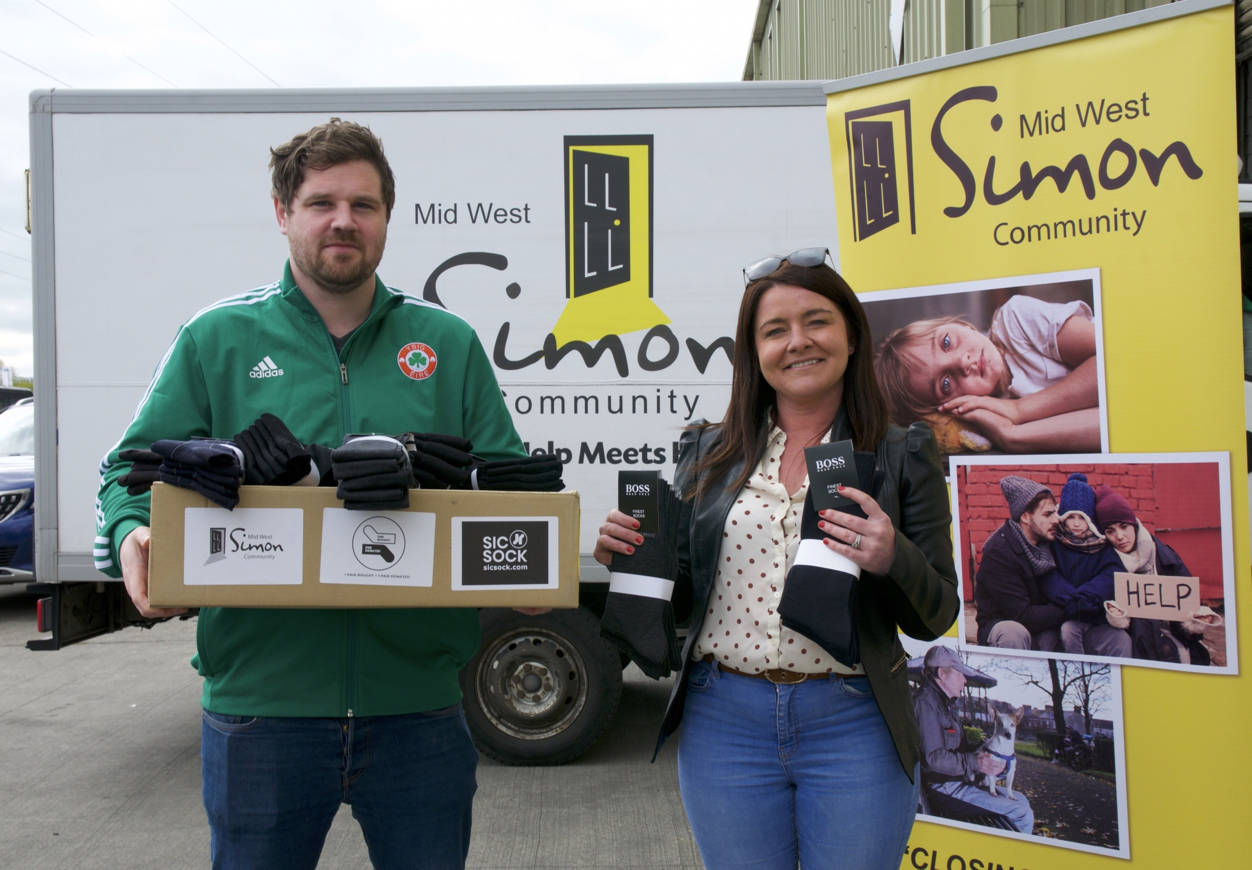 Sicsock.com Donates 270 Pairs of Socks to Mid West Simon Community for the Homeless
